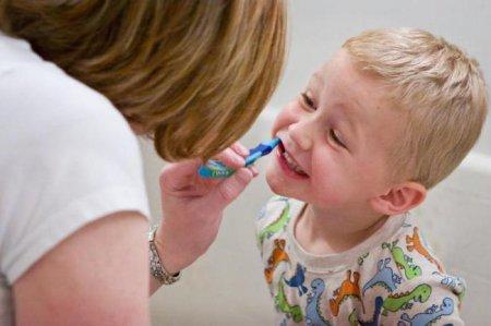 Болит зуб у ребёнка что делать в домашних условиях